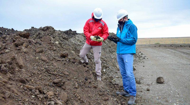 Ambiente y Fomicruz finalizaron el proceso de biorremediación de suelos en el Yacimiento El Mosquito